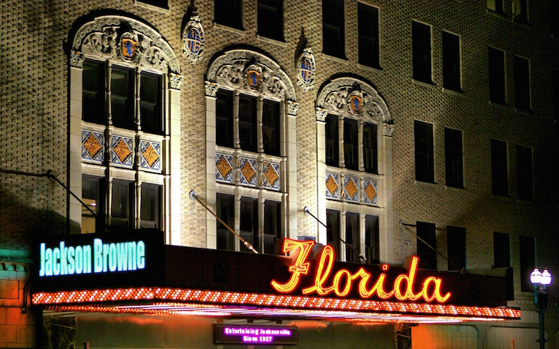 Florida_Theater_at_night